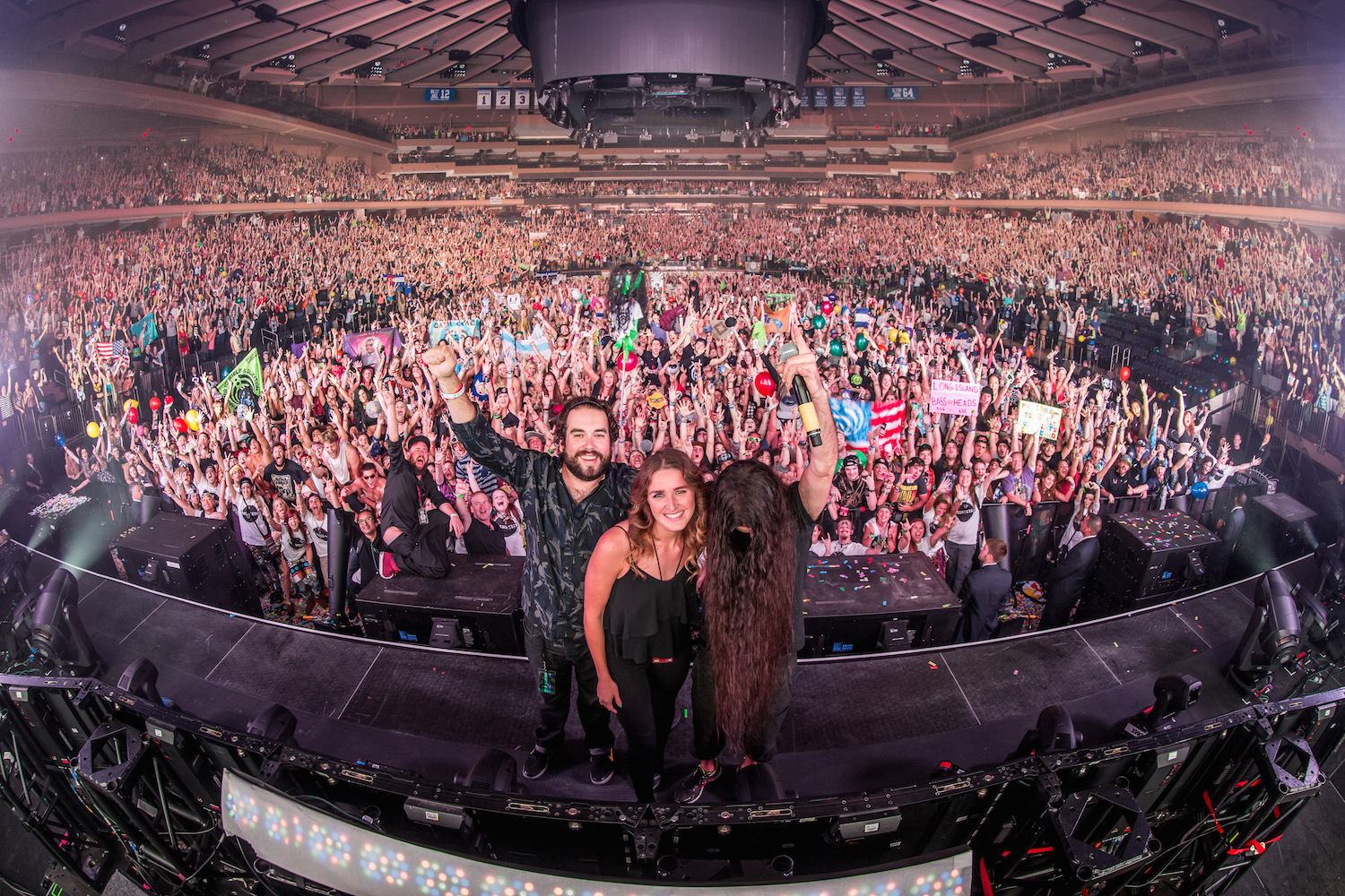BASS CENTER VIII - MADISON SQUARE GARDEN FAMILY PHOTO