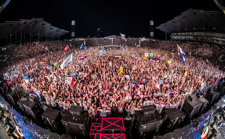 Bassnectar - Bass Center 2016 - Family Photo Night 2 - photo by aLIVE Coverage